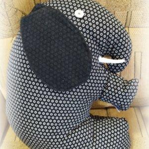 Vankúš Sloník čierno-bielej farby