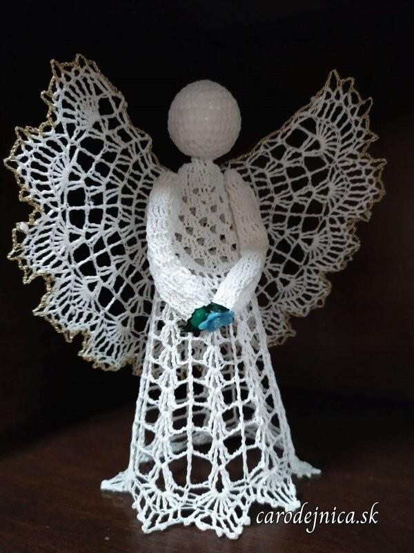 hačkované ozdoby na vianočný stromček - biely anjel